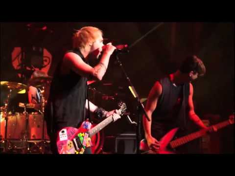 5 Seconds Of Summer - Hey Everybody! live from The New Broken Scene