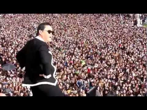 PSY Gangnam Style Flashmob at Trocadero Paris