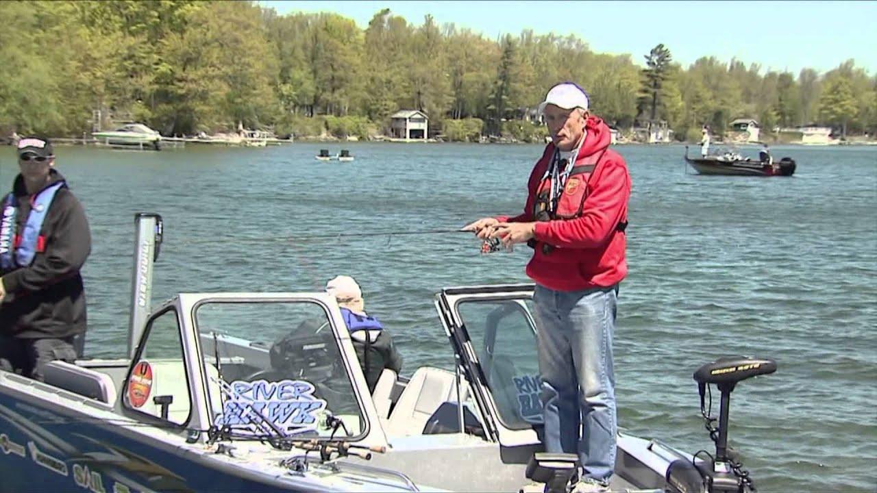 Canadian sportfishing jumbo perch fishing lake simcoe on for Lake simcoe fishing report