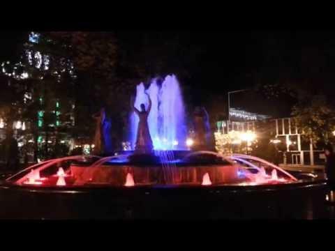 Поющий фонтан 'Семь девушек' 1