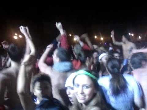 Ohio State - Mirror Lake Jump 2010 - Crowd Tour