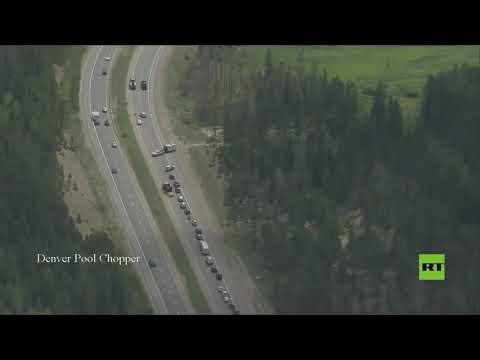 انزلاق أرضي يحاصر عشرات السيارات في طريق سريع غرب ولاية كولورادو  - نشر قبل 7 ساعة