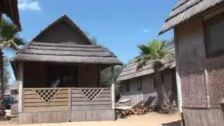Tiki Hütte 2. Reihe (St. Tropez, Kon Tiki)