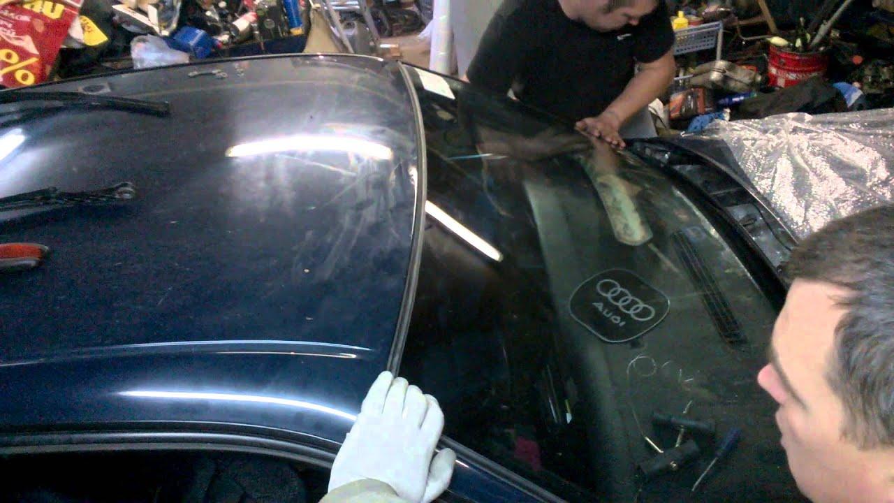Замена лобового стекла Audi часть 2
