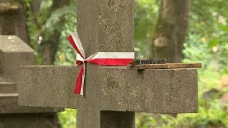 Активісти з Польщі реставрують старі поховання в Коломиї