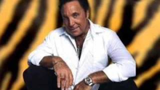 Tom Jones-Love Me Tonight/Keep on Runnin