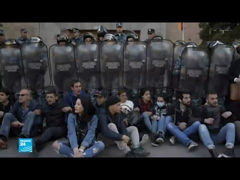 المظاهرات مستمرة واعتقال العشرات في أرمينيا  - 15:23-2018 / 4 / 20