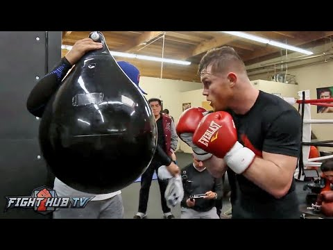 CANELO ALVAREZ KILLS THE HEAVY BAG! WORKS ON HEAD MOVEMENT FOR CHAVEZ JR