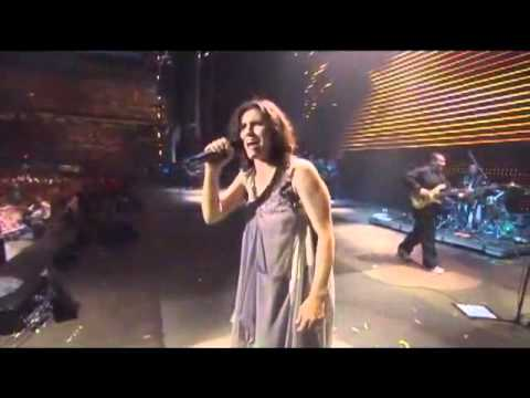 Elisa ft Gianna Nannini - Gli Ostacoli Del Cuore (Live at San Siro) [Traducción en Español]