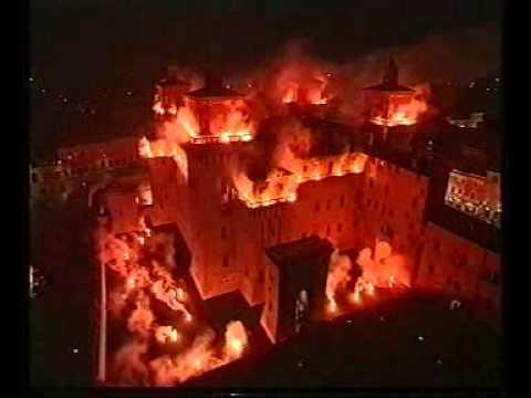 Capodanno a Ferrara Incendio del Castello Estense YouTube