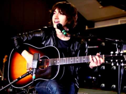 Alex Turner  (Arctic Monkeys)  - Mardy Bum Acoustic