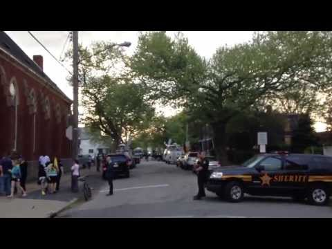 The Miracle in Cleveland - Kidnapped Women Found - Raw Video of the scene, The Media Circus