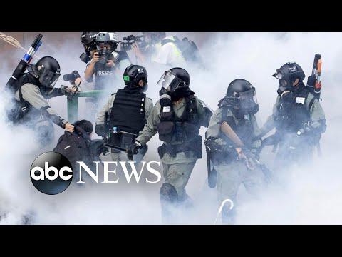 Hong Kong protests, figure skating and Evo Morales: World in Photos, Nov. 18