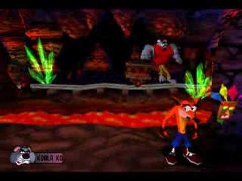 Crash Bandicoot Boss 3 Koala Kong - YouTube