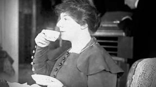 Dutch Contralto Julia Culp ~ Du bist die Ruh (1915)