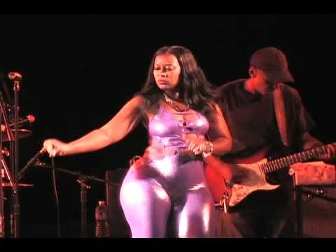 BOBBY RUSH FEATURING  MIZZ  LOWE  SHOW YOU  A GOOD TIME FREDRICK MAXWELL PRODUCTION ( MAXVISION1)