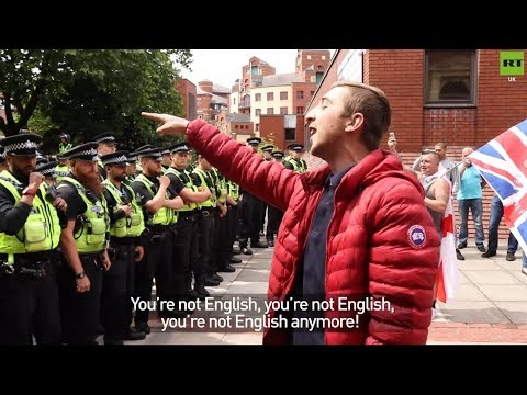 Scuffles at free Tommy Robinson protest