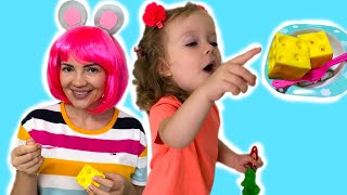 Hickory Dickory Dock | Nursery Rhymes & Kids Songs from Sasha Kids Channel