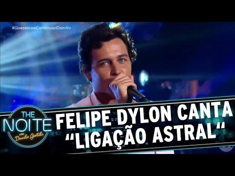 Felipe Dylon canta