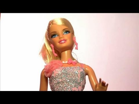 Barbie S Fashion Closet A Look Inside Youtube