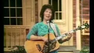 Loretta Lynn - Wine, Women, and Song