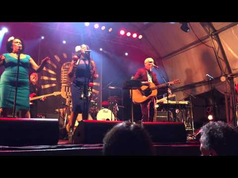 "Paul Kelly Taronga Zoo 6 Feb 2015 ""Beggar On The Street Of Love"" and ""Dumb Things"""