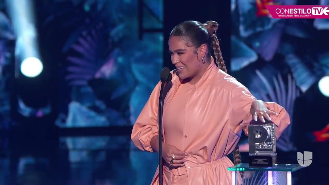 """Premios Juventud 2020 - La mas pegajosa """"La Tusa"""" Karol G y Nicki ..."""