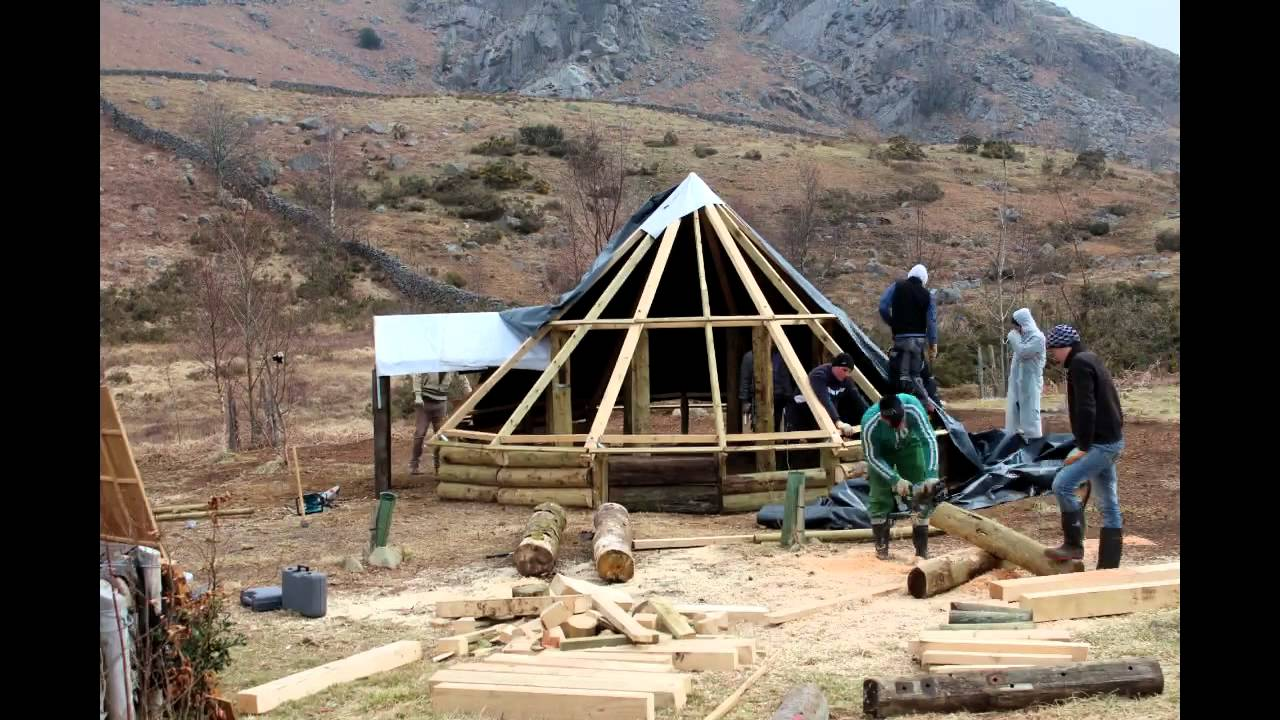 Rv Projects Romanians Building A Celtic Roundhouse At