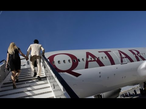 Chandler - Best Landing Ever With Qatar Airways A320 - Tasty FOOD! World is Awesome #27