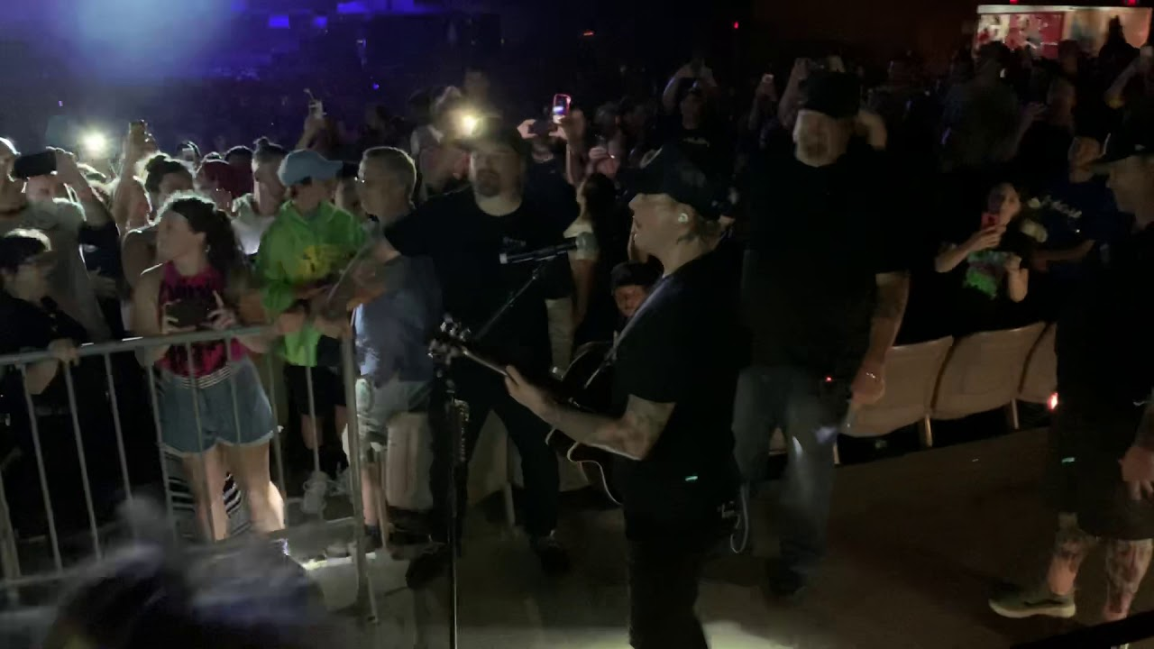 Blink-182 Down Acoustic Live Hartford CT 06/29/2019. - YouTube