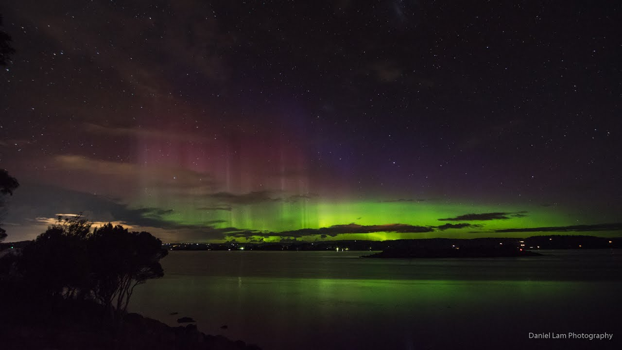 Aurora Australis: Island, 28 May 2017, Tasmania - YouTube