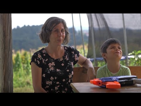 "Dokumentarni film ""Autizam, majka i dijete"" - YouTube"