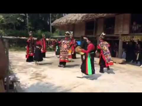 Múa khay đèn của người dân tộc Cao Lan