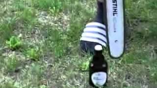 Шок! Как открыть пиво бензопилой. Чувак жжот! ЖЕСТЬ!