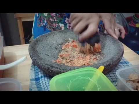 How to use Indonesian Mortar and Pestle