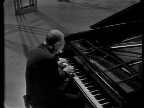 Prokofiev sonata n 2 Brahms Intermezzo op  116 n 5 Ravel Jeux d'eaux Alborada del gracioso Richter