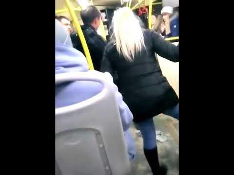 fotka-v-avtobuse-s-blondinkoy-na-telefon-domashnee-dlya-vzroslih