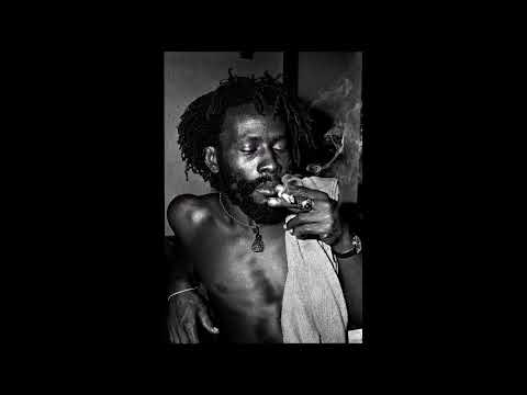 Burning Spear - Live At The Club Esquire, Brooklyn, NY, U.S.A (9/11/1987)