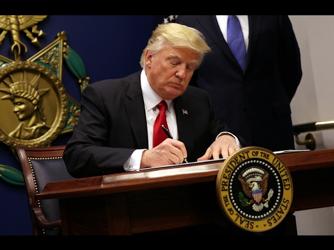 In Trump's immigration order, a tangle of legal issues