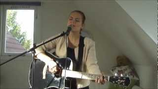 Lost (Anouk) acoustic cover by Martine