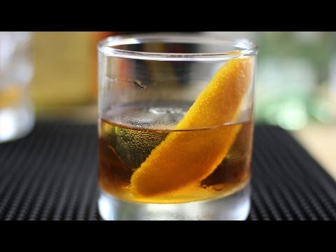 How To Make A Spiced Rum Old Fashioned