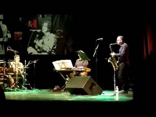 Marcelo Martins - Incrível solo do Saxofonista Marcelo Martins!