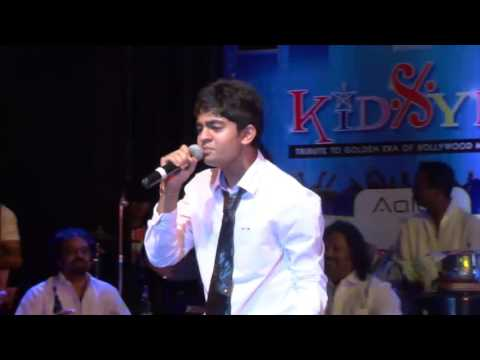 Badan Pe Sitare, Md Rafi Cover by Vishesh Jain live performance