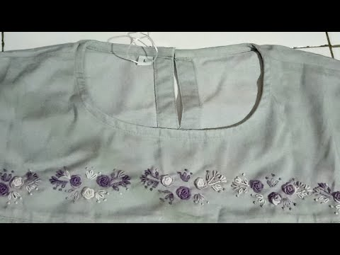 Live making embroidered yarn of Muslim clothes