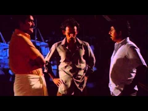 Nadodikattu - Comedy Scene 'Gafoor Ka Dosth' Mamukkoya,Mohanlal And Sreenivasan