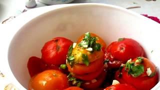 Салат из помидор. Супер помидорки в заправке! Очень вкусно!