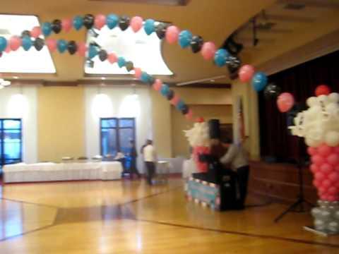 Rock n roll decorations balloons by carolyn youtube - Rock n roll dekoration ...