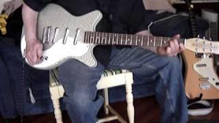 danelectro dc3 guitar