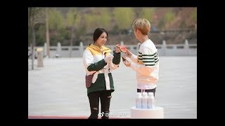 Running man Chinese- Luhan blow Dilraba a kiss 鹿晗- 迪丽热巴