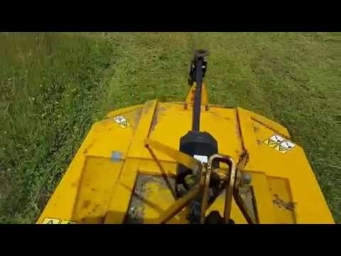 Topping at Rockland St Mary 2015 - with the John Deere 4600
